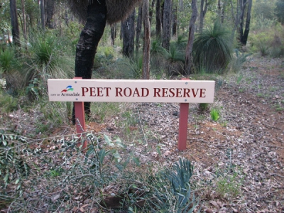 peetroad sign